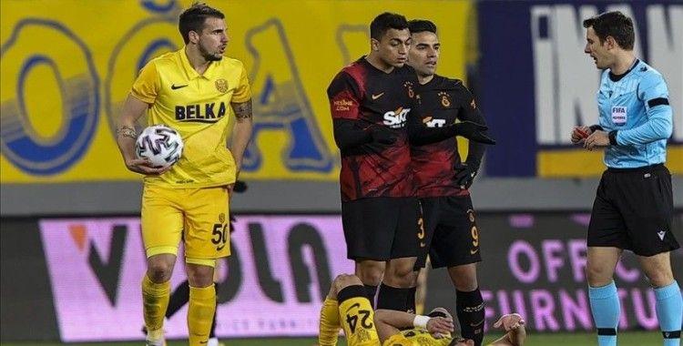 Mostafa Mohamed'e 1 maç ceza