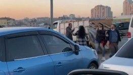 Şile'de trafik terörü, Aracın kapısını açıp, sürücüyü darbettiler