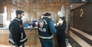 Kadıköy'de kısıtlama günü korona virüs denetimi