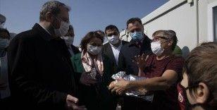 TBMM Depreme Karşı Alınabilecek Önlemleri Araştırma Komisyonu üyeleri İzmir'de depremzedelerle buluştu