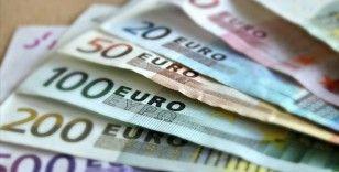Avro Bölgesi'nde yatırımcı güveni 13 ayın en yüksek seviyesinde