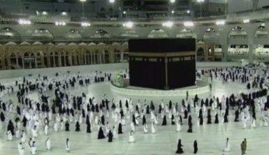 Suudi Arabistan'da umre ziyaretleri alınan önlemler altında sürüyor