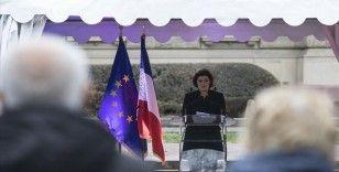 Fransa'da Strasbourg Belediye Başkanı, Eyüp Sultan Camisi'nin inşası için yapılan para yardımını savundu