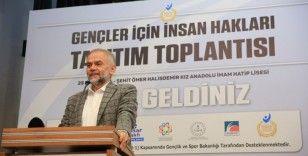Çekmeköy'de gençler için insan hakları eğitimleri başladı
