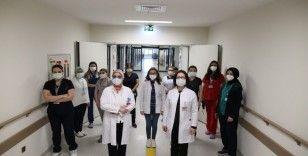 """Çocuk Cerrahı Dr. Sabriye Dayı: """"Yanıklara ayakkabı boyası sürenler var"""""""