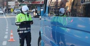 İstanbul'da toplu taşıma araçlarında korona virüs denetimi