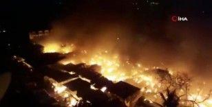 Hindistan'da pazarda korkutan yangın