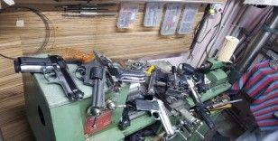 Başkent'teki silah kaçakçılığı operasyonunda 8 kişi gözaltına alındı