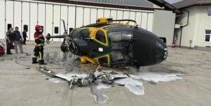 İtalya'da polis helikopteri havalanırken kaza yaptı