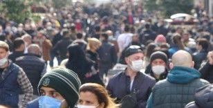 Taksim ve İstiklal'de hafta başı yoğunluğu: Maske takmayanlar gözden kaçmadı
