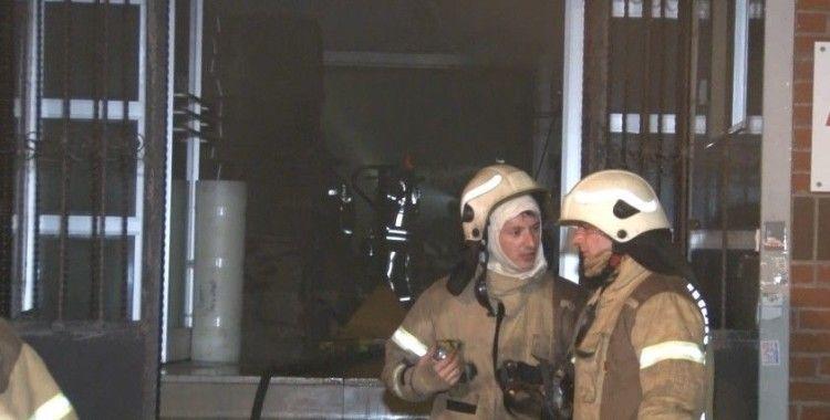 İkitelli'de ayakkabı fabrikasında yangın paniğ
