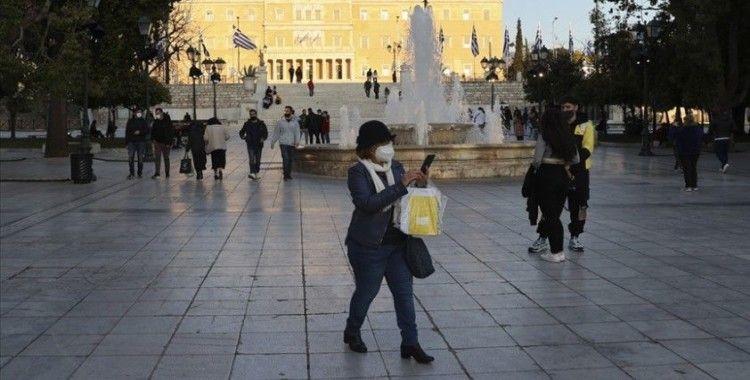 Yunanistan'da Kovid-19 günlük vaka sayısı 'salgının başından bu yana en yüksek seviyeye' ulaştı