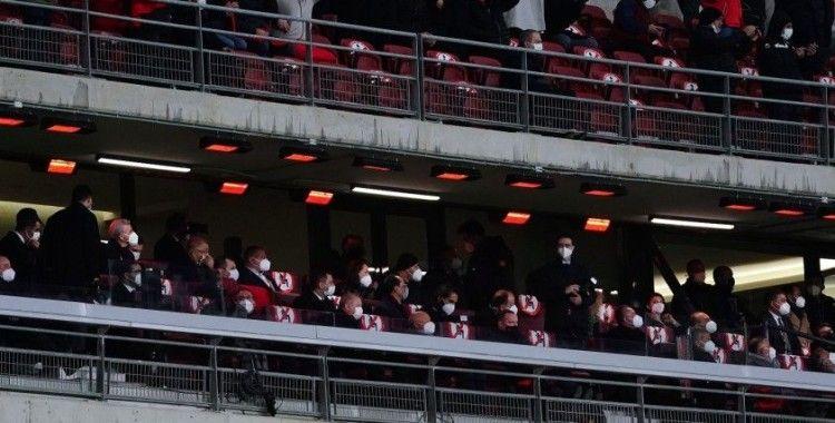 Cumhurbaşkanı Erdoğan, Letonya maçını izlemek için stada geldi