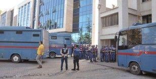 FETÖ'den yargılanan 15 akademisyene beraat
