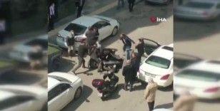 Ankara'da trafik kavgası: motor kaskıyla birbirine giriştiler