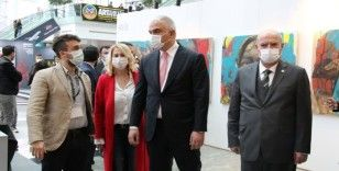 Bakan Ersoy ArtAnkara Uluslararası Çağdaş Sanat Fuarı'nı ziyaret etti