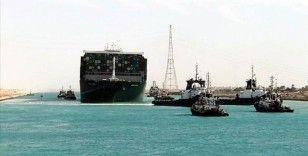 Mısır Süveyş Kanalı'nı günlerce kapatan geminin sahibi firmadan 1 milyar dolar tazminat istiyor