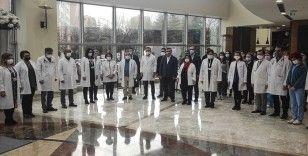 Kovid-19 nedeniyle vefat eden Prof. Dr. Cemil Taşçıoğlu ve sağlık çalışanları anıldı