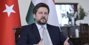 Macaristan'ın Ankara Büyükelçisi Matis, Türkiye'de sosyal medyada en fazla takip edilen diplomat oldu