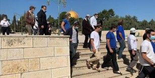 Fanatik Yahudilerin Hamursuz Bayramı'nda Mescid-i Aksa'ya baskınları devam ediyor