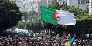 Cezayir fırsatlar ve zorlukların gölgesinde erken seçime hazırlanıyor