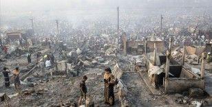 Bangladeş'te Arakanlı Müslümanların kaldığı kamp yakınındaki pazar yerinde yangın: 3 ölü