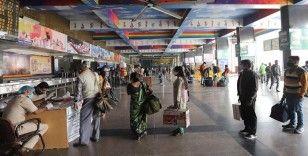 Hindistan'da günlük Kovid-19 vakası sayısı 80 bini aştı