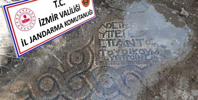 İzmir'de kaçak kazı operasyonunda bin 500 yıllık mozaik ve manastır bulundu