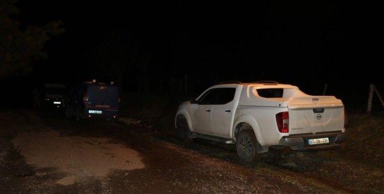 Kayıp gencin cesedi ormanda arandı, baba ile üvey anne gözaltına alındı