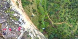 Mersin Kayacı Vadisi'nde adrenalin dolu rope jumping heyecanı