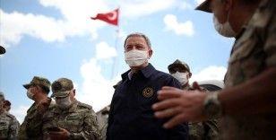 Bakan Akar ve TSK komuta kademesi Namaz Dağı'nda terörle mücadele tedbirlerini inceledi