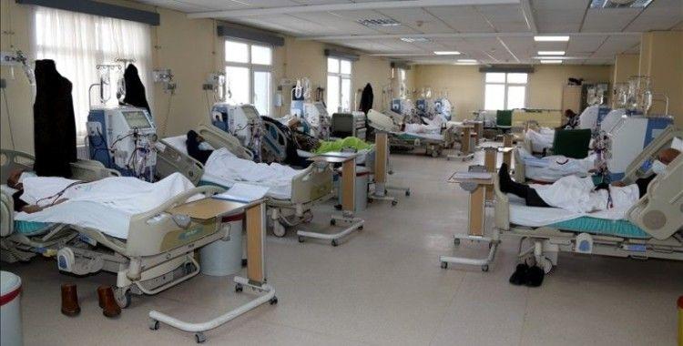 Risk grubundaki diyaliz hastaları Kovid-19'dan sıkı tedbirle korunuyor