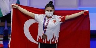 Milli halterci Melisa Güneş'ten 1 gümüş ve 2 bronz madalya