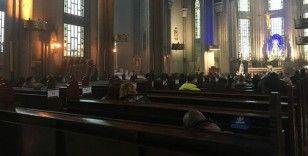 St. Antuan Kilisesi'nde Paskalya ayini düzenlendi