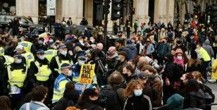 İngiltere'de polise yeni yetkiler veren tasarının protesto edildiği gösteriye polis müdahale etti: 26 gözaltı