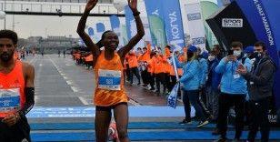 İstanbul Yarı Maratonu'nda Kenyalı atlet Ruth Chepngetich, Dünya Rekoru kırarak şampiyon oldu