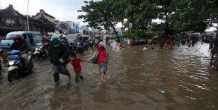 Endonezya'da sel felaketi: 20 ölü