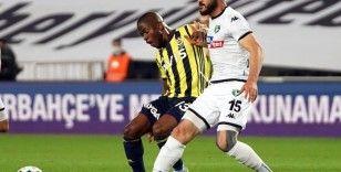 Süper Lig: Fenerbahçe: 0 - Denizlispor: 0 (İlk yarı)