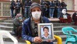 Evlat nöbetindeki aileler çocuklarını HDP'den istiyor