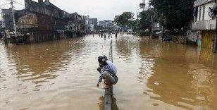 Endonezya'daki sel ve heyelan felaketinde can kaybı 70'e yükseldi