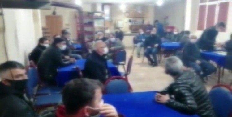 Üsküdar'da kısıtlama gününde kahvehanede toplanan 24 kişiye polis baskını
