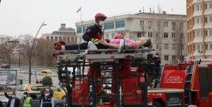Gaziantep Büyükşehir'den gerçeği aratmayan deprem tatbikatı !