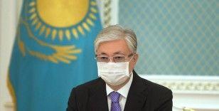 Kazakistan Devlet Başkanı'na Sputnik V aşısı vuruldu