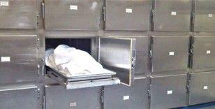 İzmir'de balıkçı oltasına 'ceset' takıldı