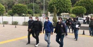 Banka çalışanın hesabını boşalttığı yalanıyla 40 bin lirasını dolandırdılar, İzmir'de yakalandılar