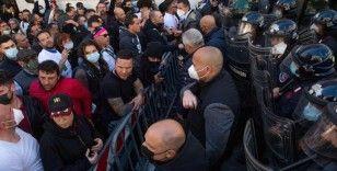 Roma'da Covid-19 kısıtlamaları protesto edildi