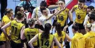 VakıfBank Kadın Voleybol Takımı'nda Sultanlar Ligi play-off finaline yükselmenin sevinci yaşanıyor