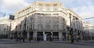 İngiltere'de mağazalar ve berberler 12 Nisan'da yeniden açılacak