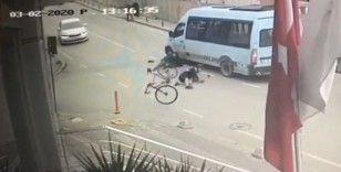 İstanbul'da ilginç kaza: Bisikletli ile yaya çarpıştı