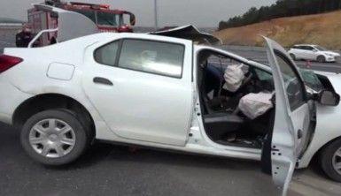 Kuzey Marmara otoyolunda otomobil kamyona arkadan çarptı